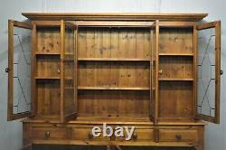 Large Pine Welsh Kitchen Dresser 4 Door Drawer Glazed Top Livraison Disponible