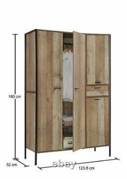 Stretton Urban Industrial 4 Porte Grande Garde-robe Avec Tiroir Chambre Rustique